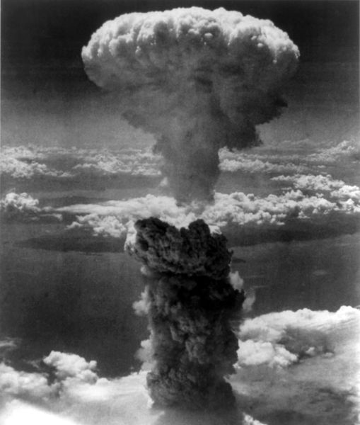 Mushroom cloud over Nagasaki, 09 August 1945